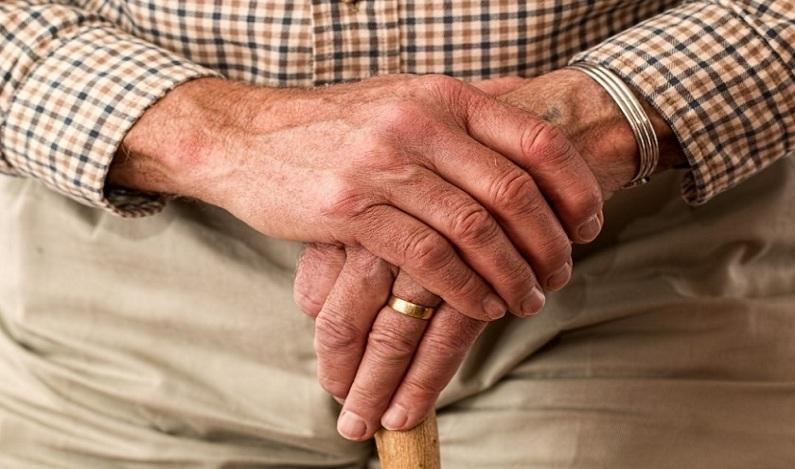 """Cientistas encontram """"fonte da juventude"""" no intestino de idosos de 90 anos"""