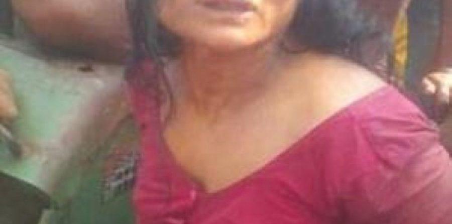 Mulher é linchada e morta em praça pública após ser acusada de raptar uma criança