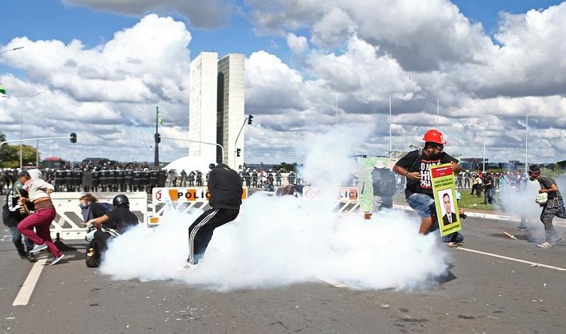 PM do DF indicia militares que usaram arma de fogo em ato na Esplanada