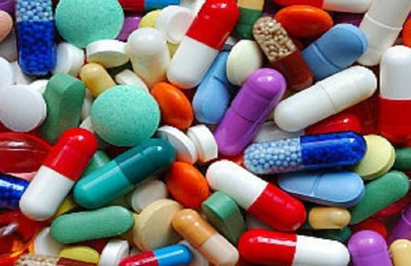 """Laboratório indenizará em R$ 50 mil vendedor obrigado a """"degustar"""" remédios"""
