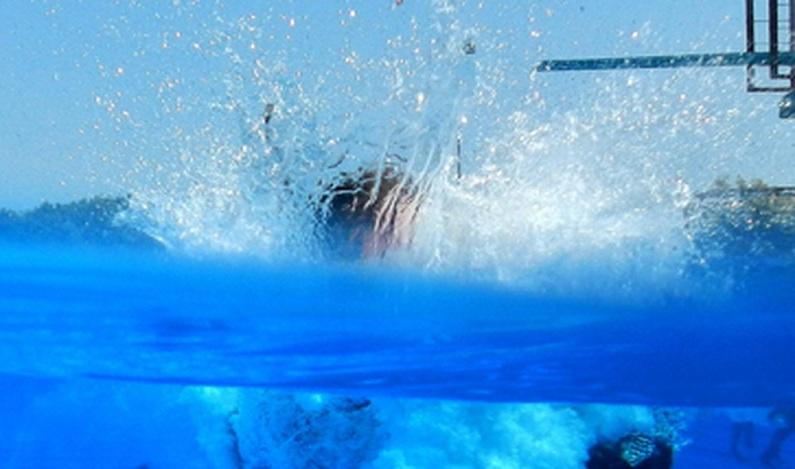 Bebê de 8 meses cai em piscina e morre afogado em Porto Velho