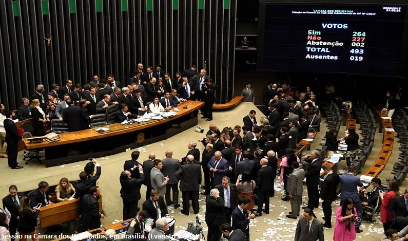 Câmara pode votar proposta de reforma política nesta terça-feira