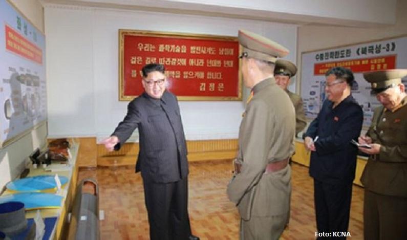 Os detalhes de mísseis 'secretos' que a Coreia do Norte revelou 'acidentalmente' em foto