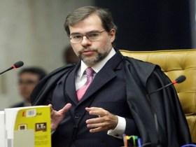 STF pede para AGU e PGR se manifestarem sobre lei anti-homofobia no DF