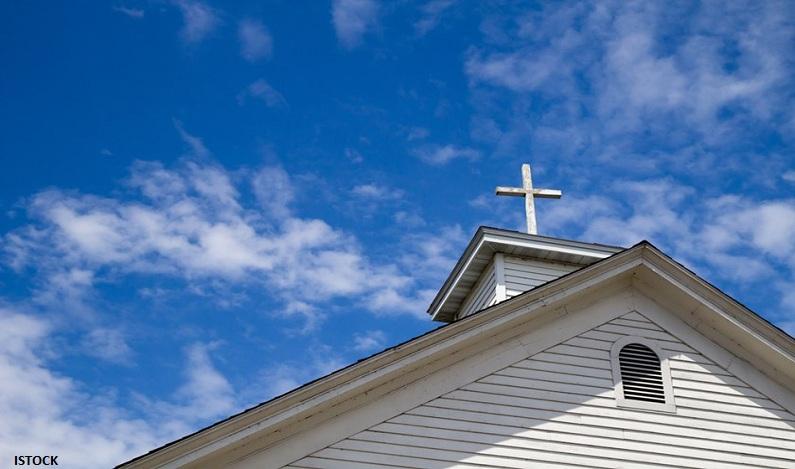 Explorado por igreja evangélica, jovem é indenizado em R$ 100 mil