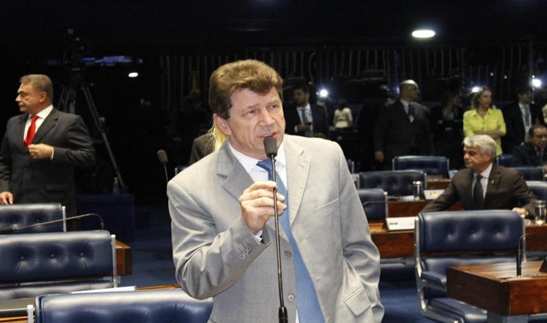Cassol cobra de ministro da Educação recursos para novos cursos no IFRO