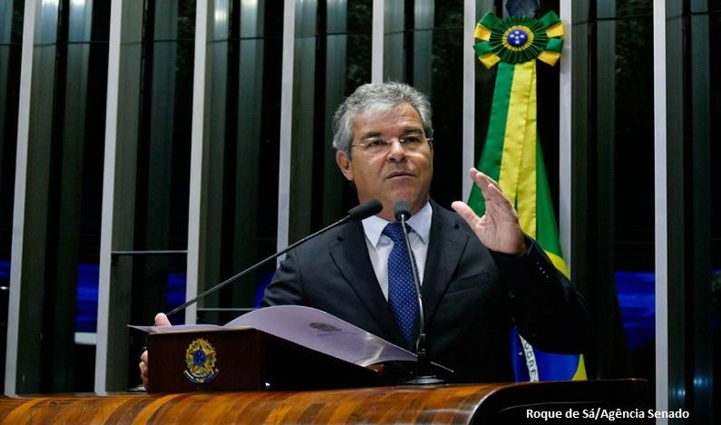 Senador cobra explicações sobre o apagão no Acre e em Rondônia