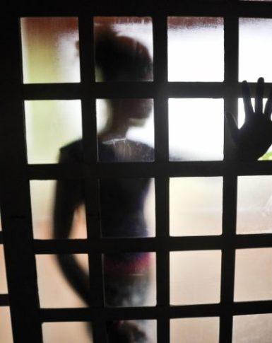 Índia aprova pena de morte por estupro de menores de 12 anos