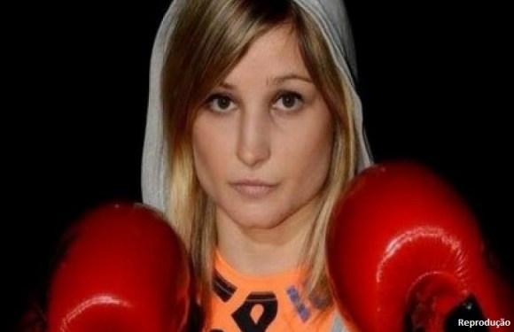 Após sofrer infarto, campeã mundial de boxe morre aos 26 anos
