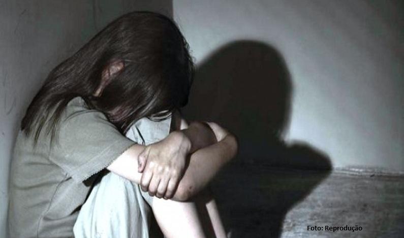 Garota de 10 anos grava abuso para provar que estava sendo estuprada por homem de 62, pai de uma coleguinha