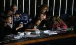 Conselho de Ética livra senadoras de punição por protesto em votação