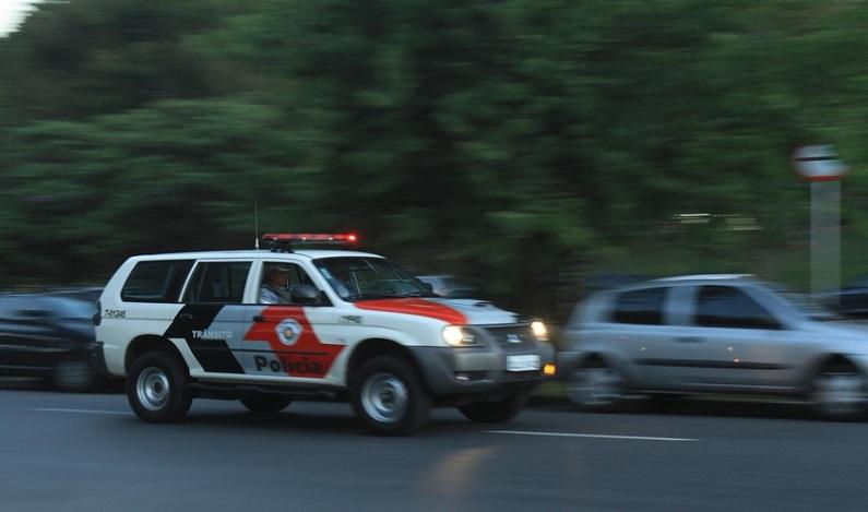 Por patrulhamento, moradores pagam até por conserto de viaturas em SP
