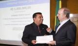 Diretor do Hospital de Câncer, Henrique Prata, faz homenagem a Lindomar Garçon em Brasília