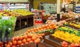 Mulheres invadem mercado, roubam produtos e agridem proprietária