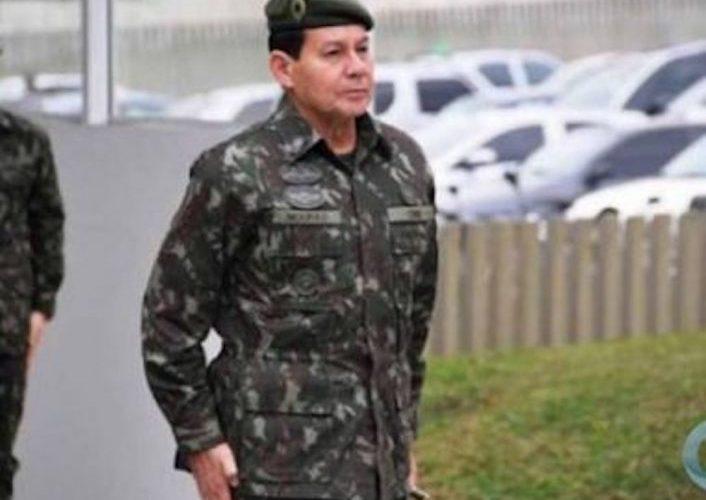 General fala em possibilidade de intervenção e é criticado por Forças Armadas