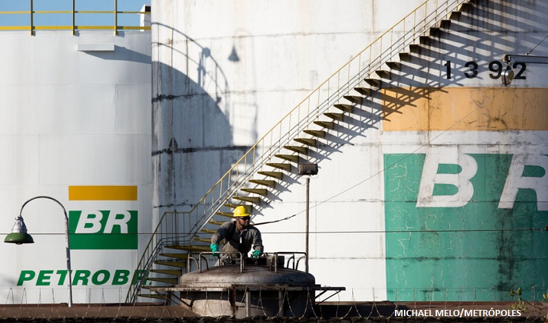 Executivo da Petrobrás devolve US$ 188 mil de conta de propinas