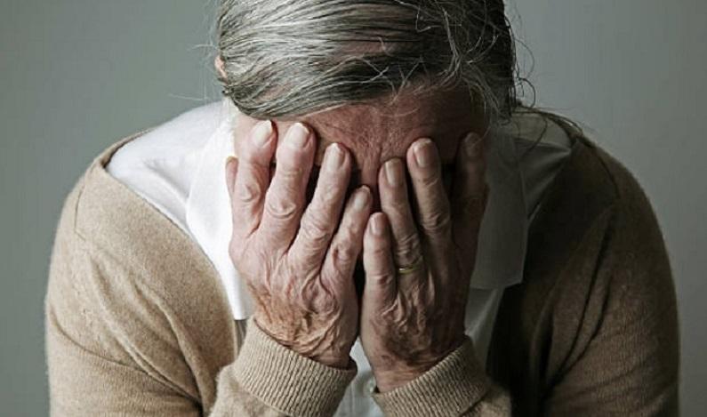 Instituição financeira é condenada por cobrar juros abusivos de idosa analfabeta