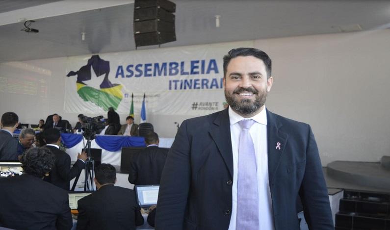 Deputado Léo Moraes participa de Sessão Itinerante da Assembleia Legislativa em Pimenta Bueno