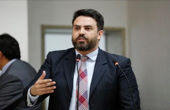 Aprovado Projeto de Lei de autoria do Deputado Léo Moraes que obriga inclusão do símbolo de Autista em placas e avisos de atendimentos prioritários