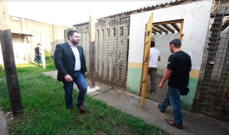 Léo Moraes inspeciona Unidade de Internação Sentenciada Masculina