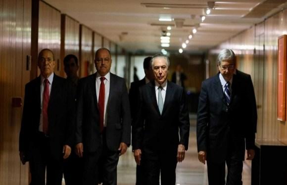 Planalto vai exonerar afilhados de quem votou contra Michel Temer