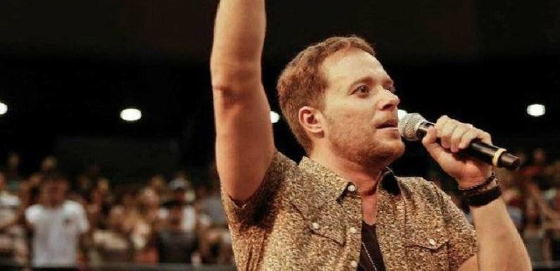 Cantor Gospel André Valadão pede boicote à Globo e fãs lembram que ele é de gravadora da empresa