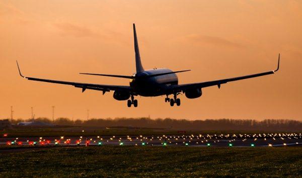 Se não houver reposição, estoques de combustíveis em 13 aeroportos acabam hoje
