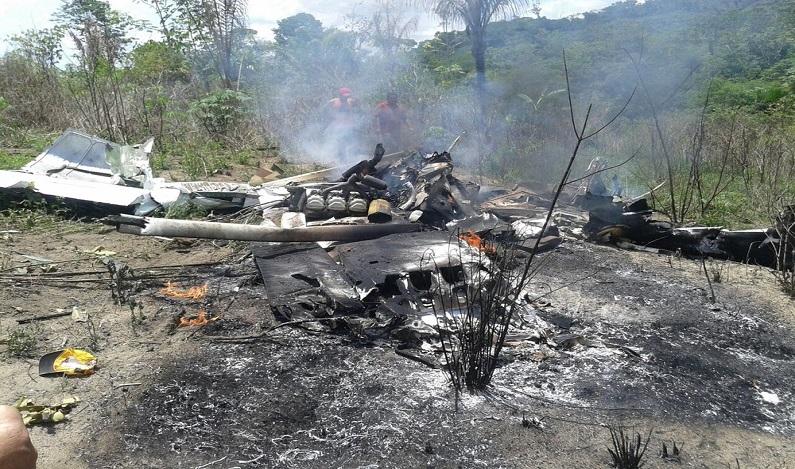 Avião de pequeno porte cai em garimpo próximo a Itaituba, no Pará, e piloto morre