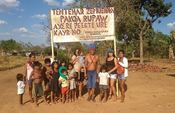 Indígenas cobram demarcação de terras a 11 km do Congresso Nacional