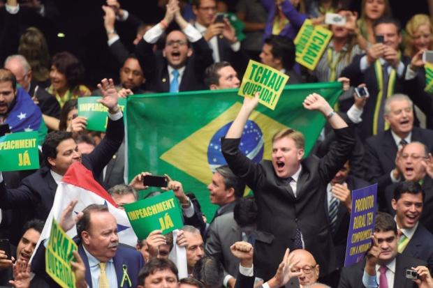 Impeachment de Dilma Rousseff custou R$ 1 milhão com votos comprados no dia da sessão