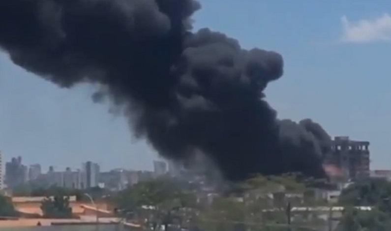 Para escapar de incêndio, menino de 13 anos pula de prédio em Teresina