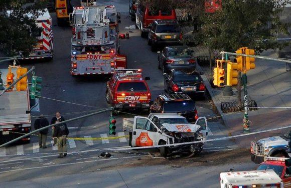 Motorista invade ciclovia e mata 6 pessoas e fere pelo menos 15, em Nova York; vídeos