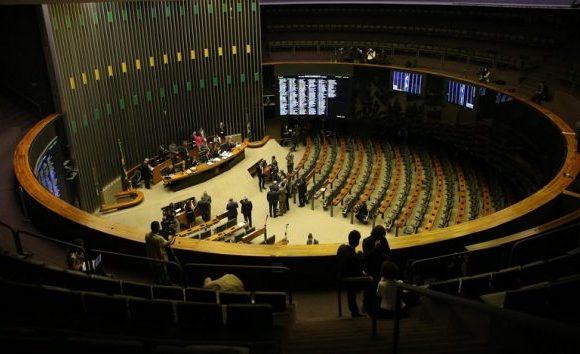 Câmara aprova MP que define valores mínimos para o frete rodoviário