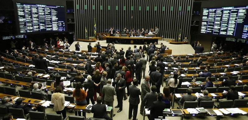 Plenário da Câmara vota denúncia contra Temer e ministros na próxima quarta-feira