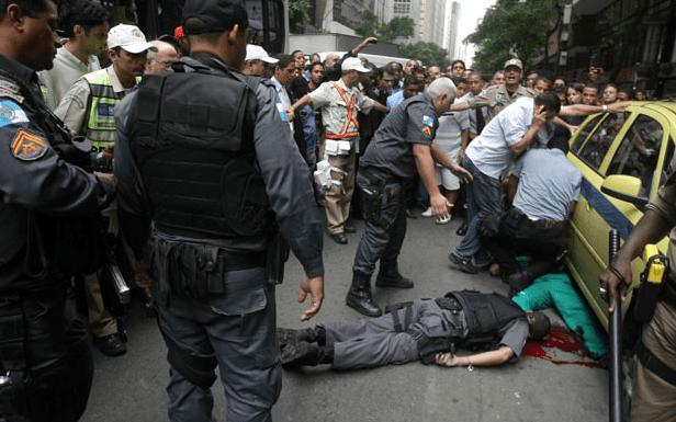 Comissão geral discute o assassinato de policiais no Brasil