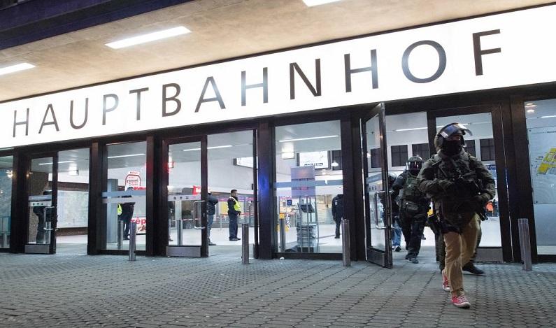 Idoso é multado na Alemanha por descansar em ponto de ônibus
