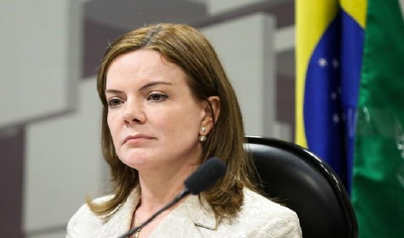 PGR pede condenação de Gleisi Hoffmann e Paulo Bernardo e multa de R$ 4 milhões