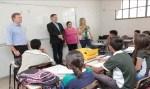 Maurão de Carvalho visita Escola Risoleta Neves e constata precariedade
