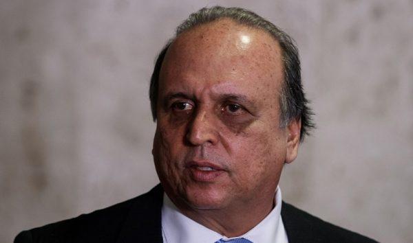 Pezão vai à Justiça contra o ministro Torquato Jardim