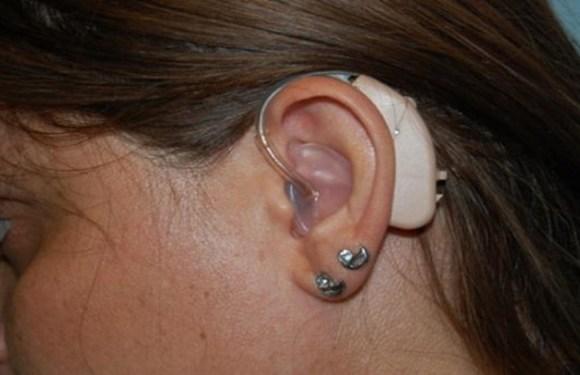 Fones de ouvido fazem jovens perderem a audição, diz conselho