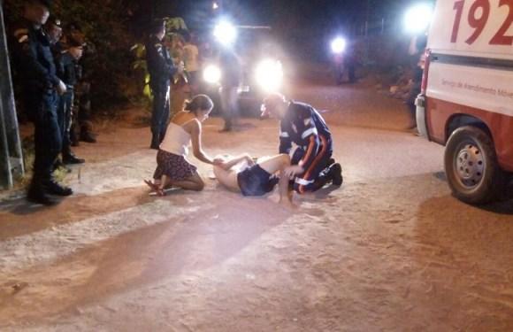 Jovem é atingido com tiro disparado por mulher em garupa de moto em RR