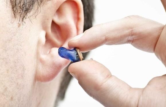 Aparelho auditivo de candidato surdo é retirado durante prova do Enem