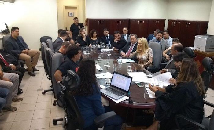 """No TRT, presidente da Caerd diz que empresa """"está falida desde 2014"""", mas em 2015 ela disse outra coisa"""