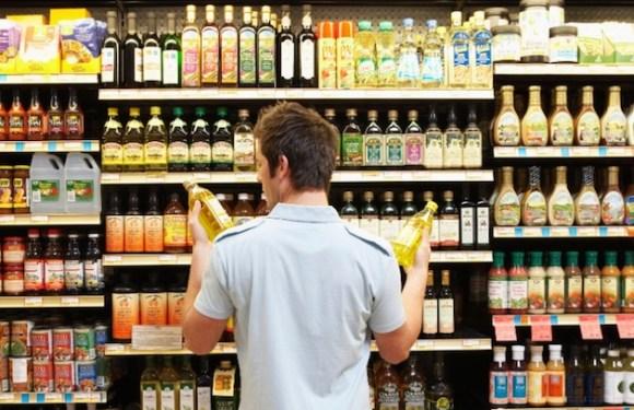 Governo retira 800 mil litros de azeite de oliva do mercado e autua 84 empresas; veja as marcas