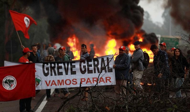 Centrais planejam nova greve geral contra reforma da Previdência