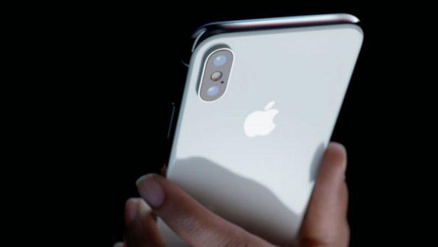 Você acha o iPhone X caro? Conheça 11 celulares ainda mais caros que o aparelho da Apple