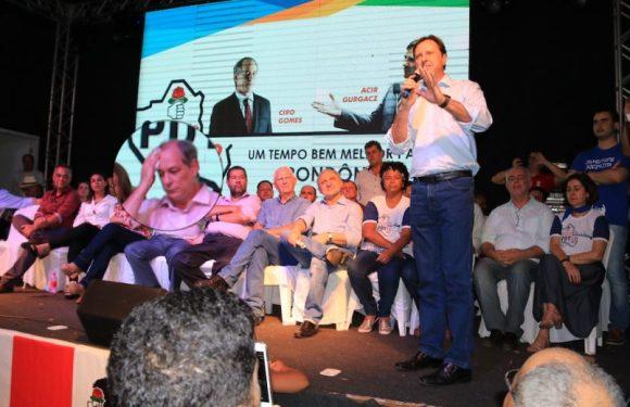 Presente a convenção do PDT em RO, Ciro Gomes criticou Gurgacz no Facebook