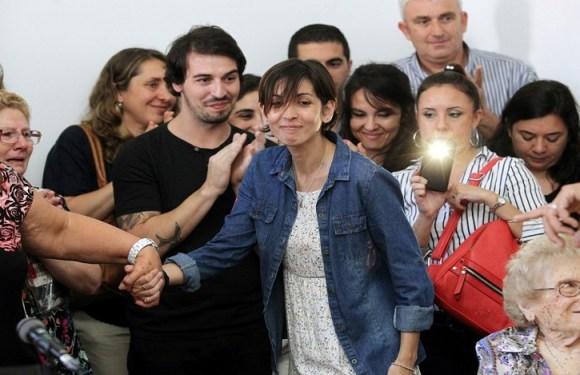 Argentina sequestrada por militares quando bebê reencontra família após 40 anos