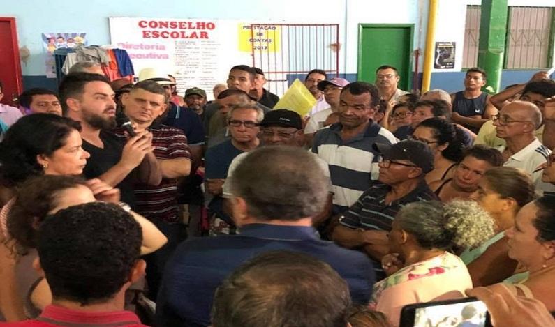 Deputado Léo Moraes se reúne com moradores do Bairro Aponiã para regularização de propriedades