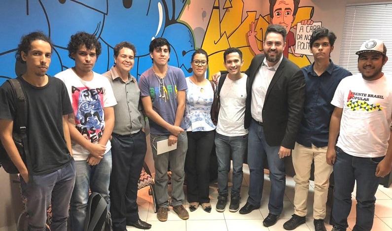 Léo Moraes se reúne com estudantes da UNIR e se coloca à disposição para aumentar a segurança dos acadêmicos